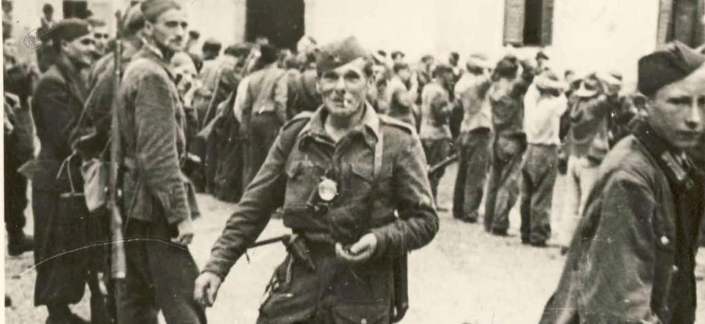 Borci Šlandrove brigade in nemški ujetniki v osvobojenem Ljubnem, 31. 7. 1944
