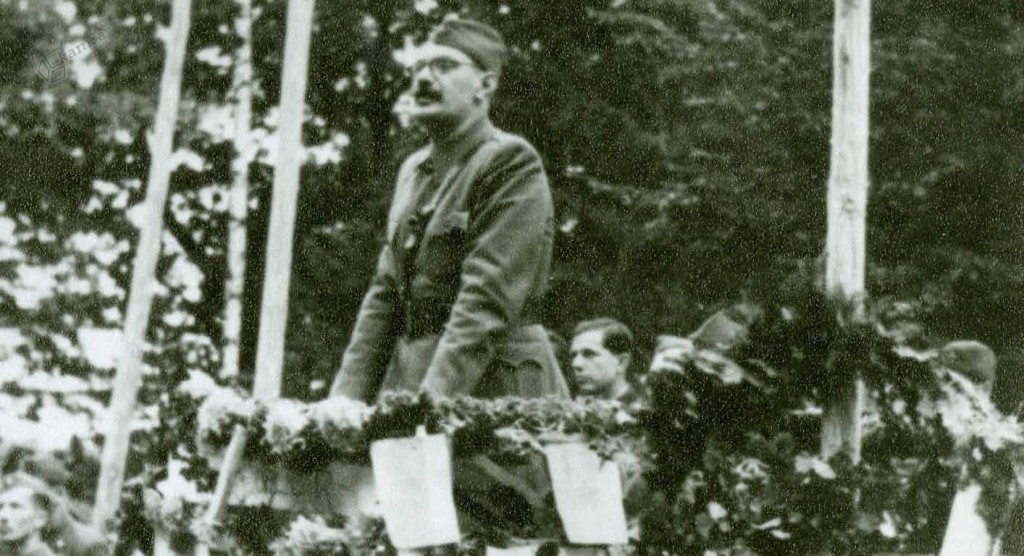 Visoki funkcionar Komunistične partije Slovenije Franc Leskošek – Luka na mitingu v Bočni, 1. 10. 1944