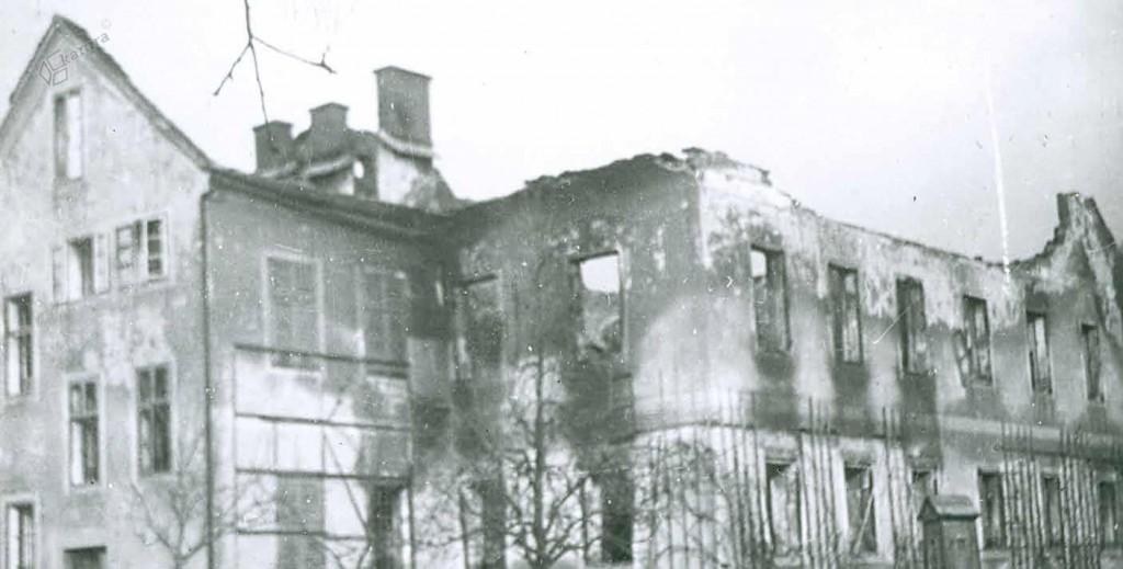 Porušena šola na Rečici, december 1944