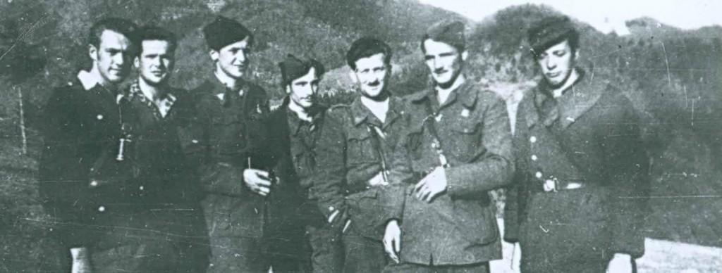 Del operativnega štaba Šlandrove in Zidanškove brigade po uspešnem preboju iz nemškega obroča na Menini planini. Drugi z desne komandant štaba Franc Sever – Franta, marec 1945