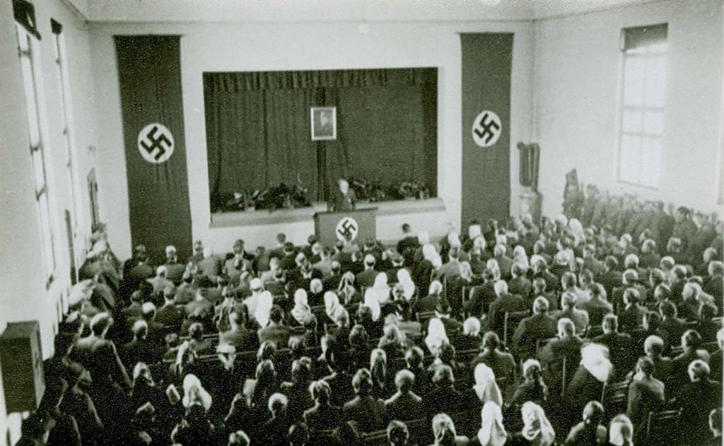 Okupacijsko zborovanje v nekdanjem Sokolskem domu v Mozirju