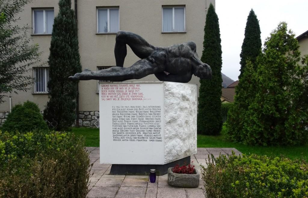 Osrednji spomenik 121-im padlim borcem in žrtvam okupatorjevega nasilja v Mozirju