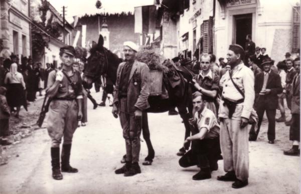 Borci Šlandrove brigade ob napadu na Mozirje