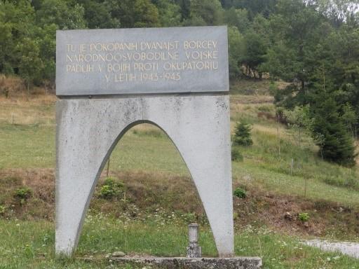 Spomenik na Razpoki