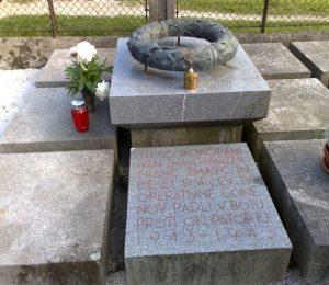 Grobišče s spomenikom 12 padlim borcem na pokopališču Bočna