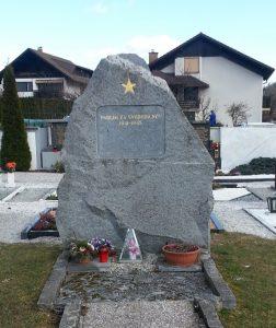 Grobišče s spomenikom na pokopališču Gornji Grad