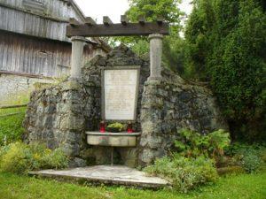 Spomenik 27 padlim borcem in žrtvam okupatorjevega nasilja